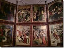 表裏で16面の祭壇画
